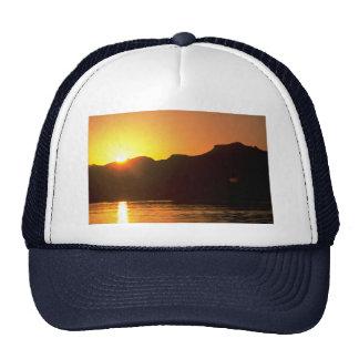 Puesta del sol hermosa: El río Colorado, Arizona Gorros Bordados