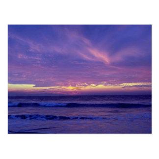 Puesta del sol hermosa: Playa de la misión, San Di Tarjetas Postales