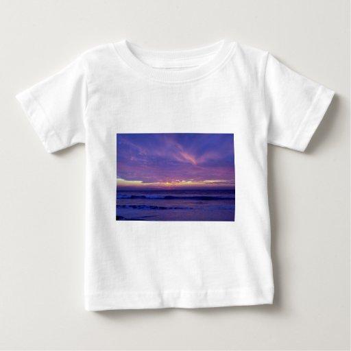 Puesta del sol hermosa: Playa de la misión, San Playera
