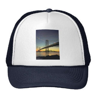 Puesta del sol hermosa Puente de la bahía San Fr Gorros Bordados