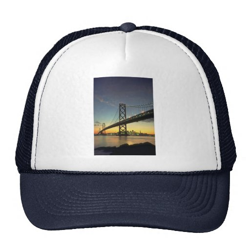 Puesta del sol hermosa: Puente de la bahía, San Fr Gorros Bordados