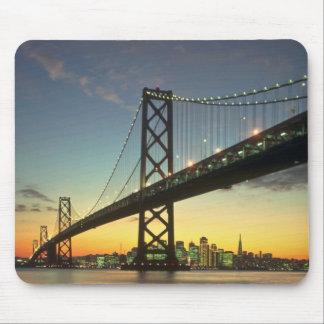 Puesta del sol hermosa: Puente de la bahía, San Fr Alfombrillas De Raton