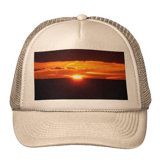 Puesta del sol intensa gorra