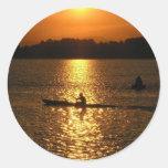 Puesta del sol Kayaking Pegatinas Redondas