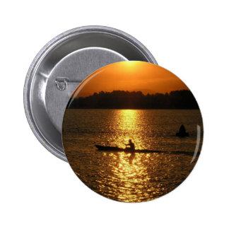 Puesta del sol Kayaking Pin