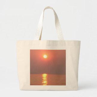 puesta del sol, lago bolsas