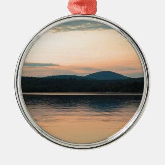 Puesta del sol larga del lago Adirondacks Adorno