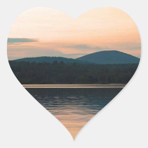 Puesta del sol larga del lago Adirondacks Calcomanía De Corazón
