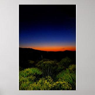 Puesta del sol llenada color póster