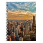 Puesta del sol magnífica en Manhattan, New York Libro De Apuntes