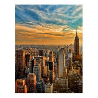 Puesta del sol magnífica en Manhattan, New York Tarjetas Postales