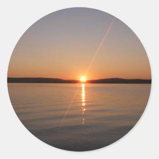 Puesta del sol Maine del lago Madawaska Pegatina Redonda