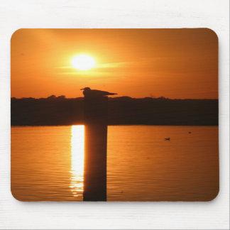 Puesta del sol Mousepad de la ciudad de la isla de