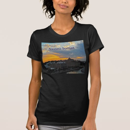 Puesta del sol, Nassau Bahamas Camiseta