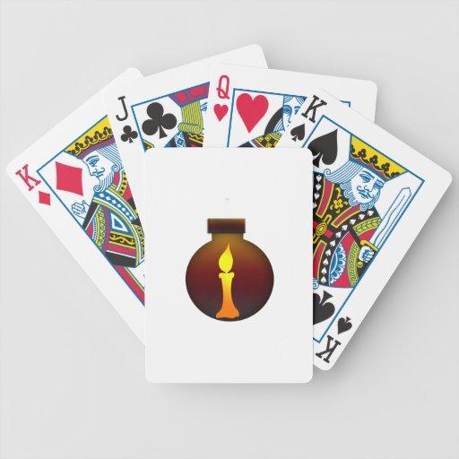 Puesta del sol oscura del ornamento con el gráfico barajas de cartas