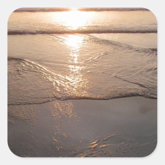 Puesta del sol oscura tropical de la playa pegatina cuadrada