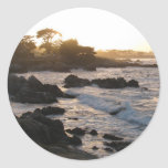 Puesta del sol pacífica de la arboleda etiquetas redondas