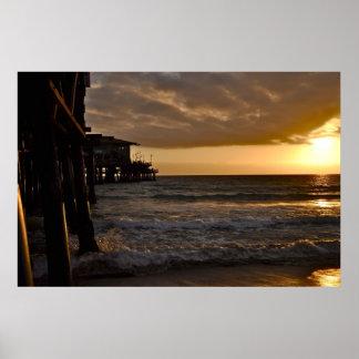 Puesta del sol pacífica en Santa Mónica Póster