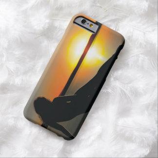 Puesta del sol pasada funda barely there iPhone 6