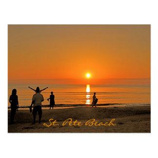 Puesta del sol - playa del St. Pete Postal