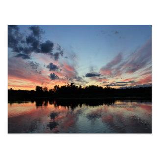 puesta del sol postal