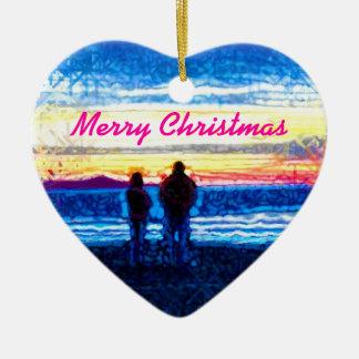 Puesta del sol punteada adorno navideño de cerámica en forma de corazón