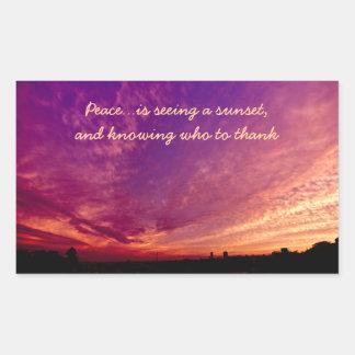 Puesta del sol púrpura anaranjada agradecida pegatina rectangular