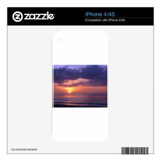 Puesta del sol púrpura de la playa iPhone 4S skin
