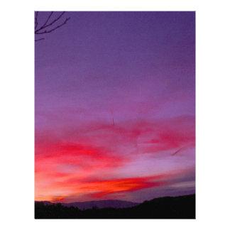 Puesta del sol púrpura membrete a diseño