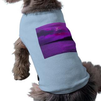 Puesta del sol púrpura camisetas de perrito