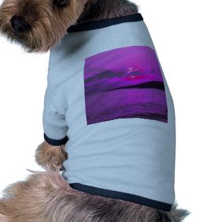 Puesta del sol púrpura camisa de mascota