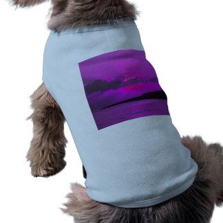 Puesta del sol púrpura camisas de mascota