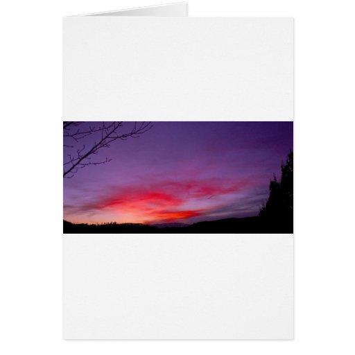 Puesta del sol púrpura tarjeta de felicitación