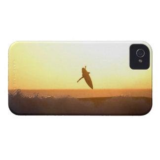 Puesta del sol que practica surf Bali aéreo iPhone 4 Cárcasa