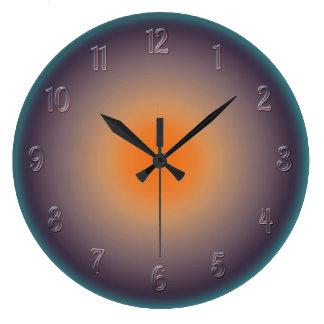 Puesta del sol radial con el reloj de pared