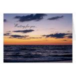 Puesta del sol romántica del océano tarjeta de felicitación