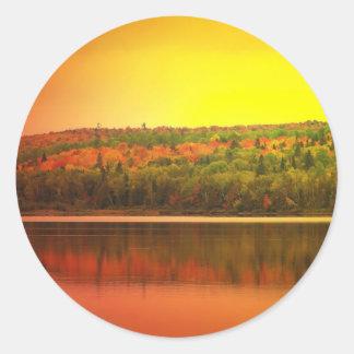 Puesta del sol septentrional de Maine Etiqueta Redonda