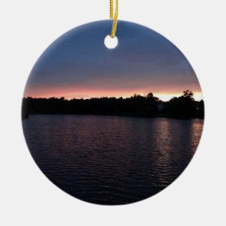 Puesta del sol sobre el cisne del lago, Georgia Adorno Para Reyes