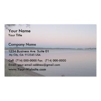 Puesta del sol sobre el lago hermoso plantilla de tarjeta de visita