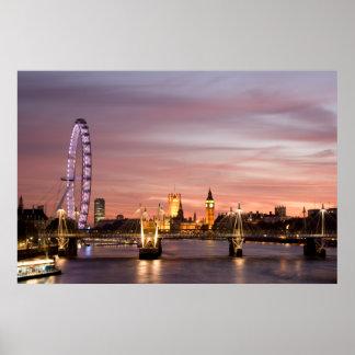 Puesta del sol sobre el ojo y el parlamento de Lon Posters