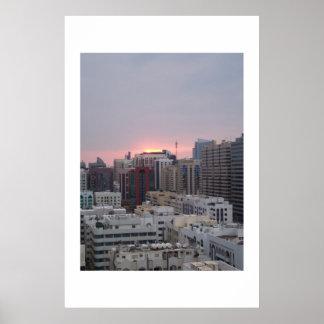 Puesta del sol sobre Electra Abu Dhabi UAE Poster