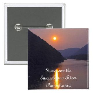 Puesta del sol sobre Hyner Pennsylvania Pins