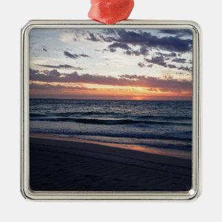 Puesta del sol sobre la bahía de Jurien, Australia Adorno Cuadrado Plateado