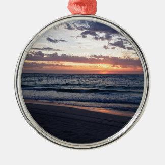 Puesta del sol sobre la bahía de Jurien, Australia Adorno Redondo Plateado