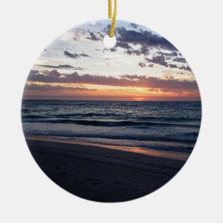 Puesta del sol sobre la bahía de Jurien, Australia Adorno Redondo De Cerámica