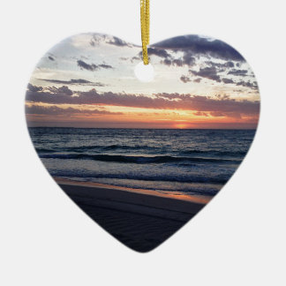 Puesta del sol sobre la bahía de Jurien, Australia Adorno De Cerámica En Forma De Corazón