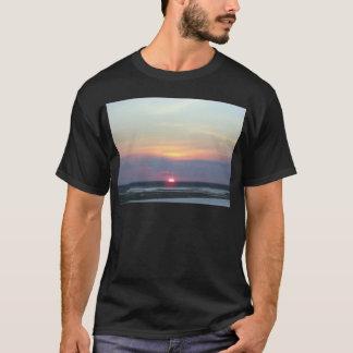 Puesta del sol sobre la bahía en Margate, NJ Playera