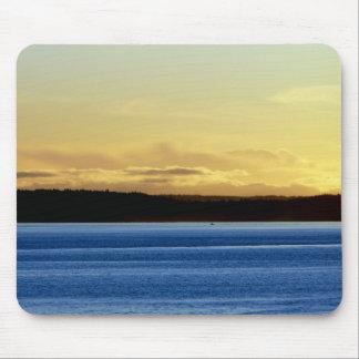 Puesta del sol sobre la isla de Bainbridge Tapetes De Raton