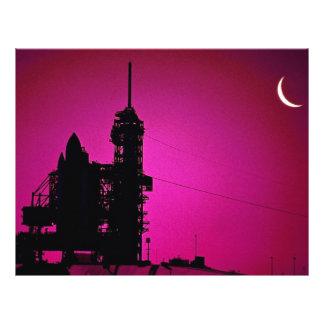 Puesta del sol sobre la plataforma de lanzamiento  tarjetas publicitarias