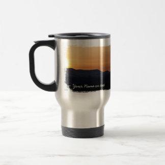 Puesta del sol sobre las montañas Nevado; Personal Tazas De Café
